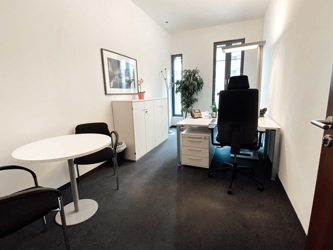überseeallee Büro 201-1