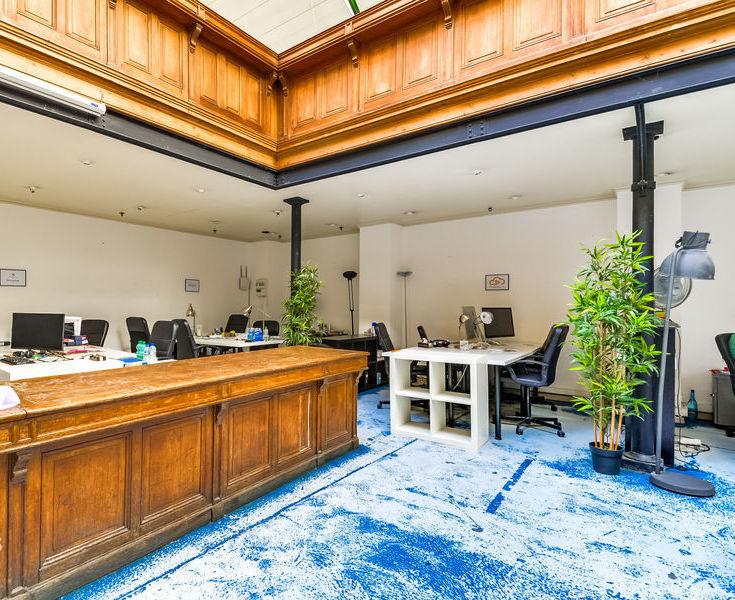 bureau à louer dans un espace de coworking spacieux et chaleureux Paris