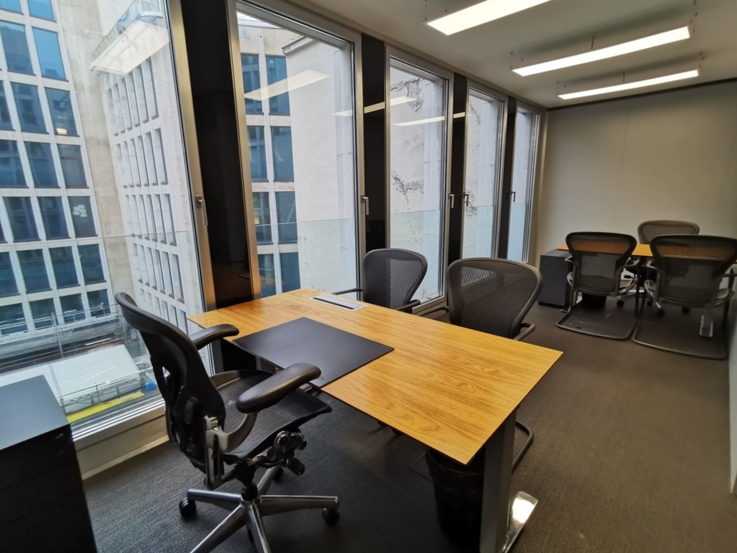 Office unit for rent in Paris