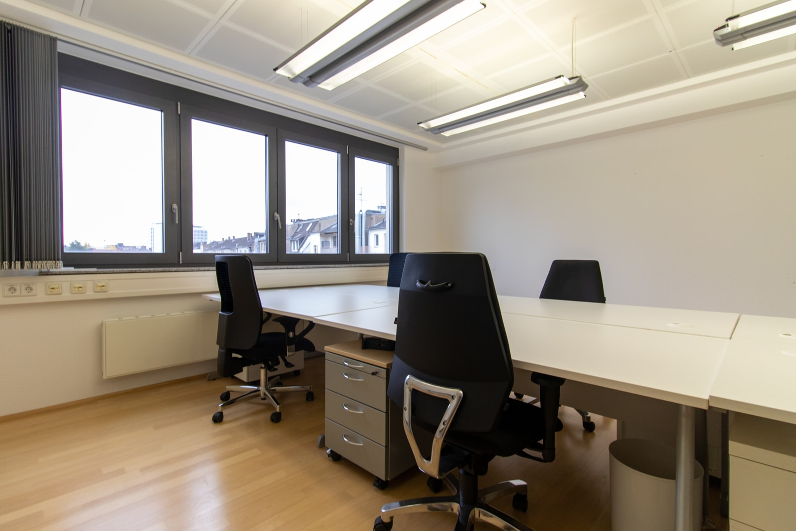 four person office oststrasse 54