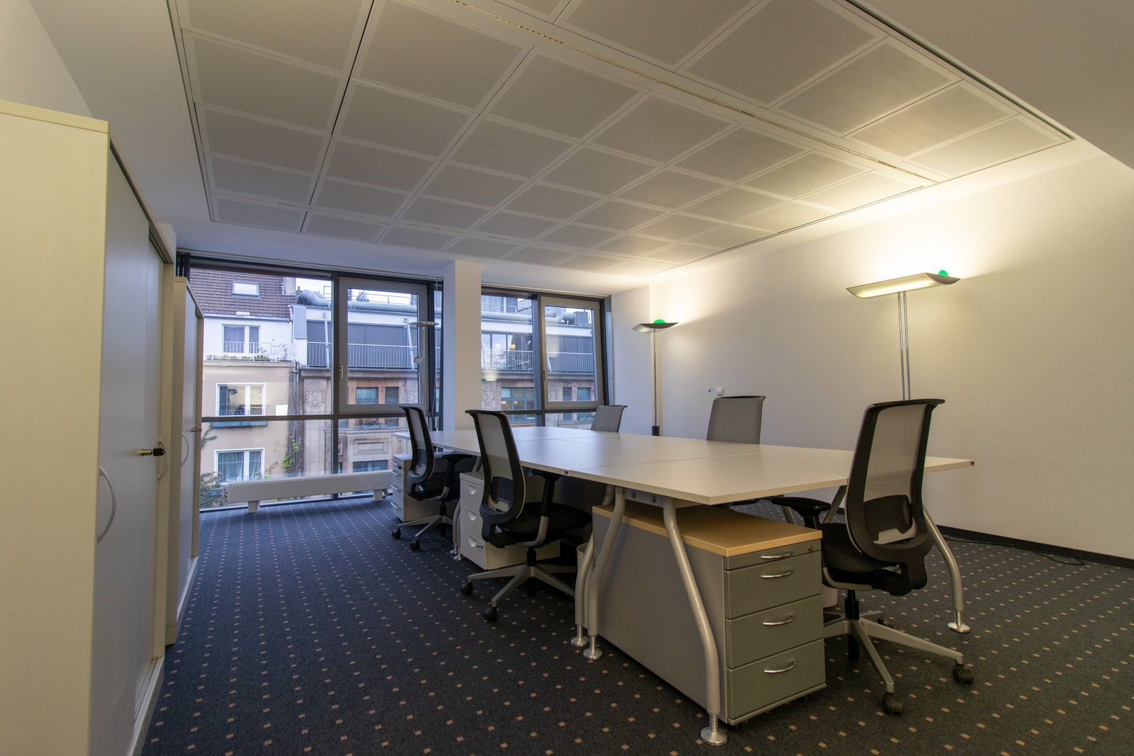 five person office oststrasse 54