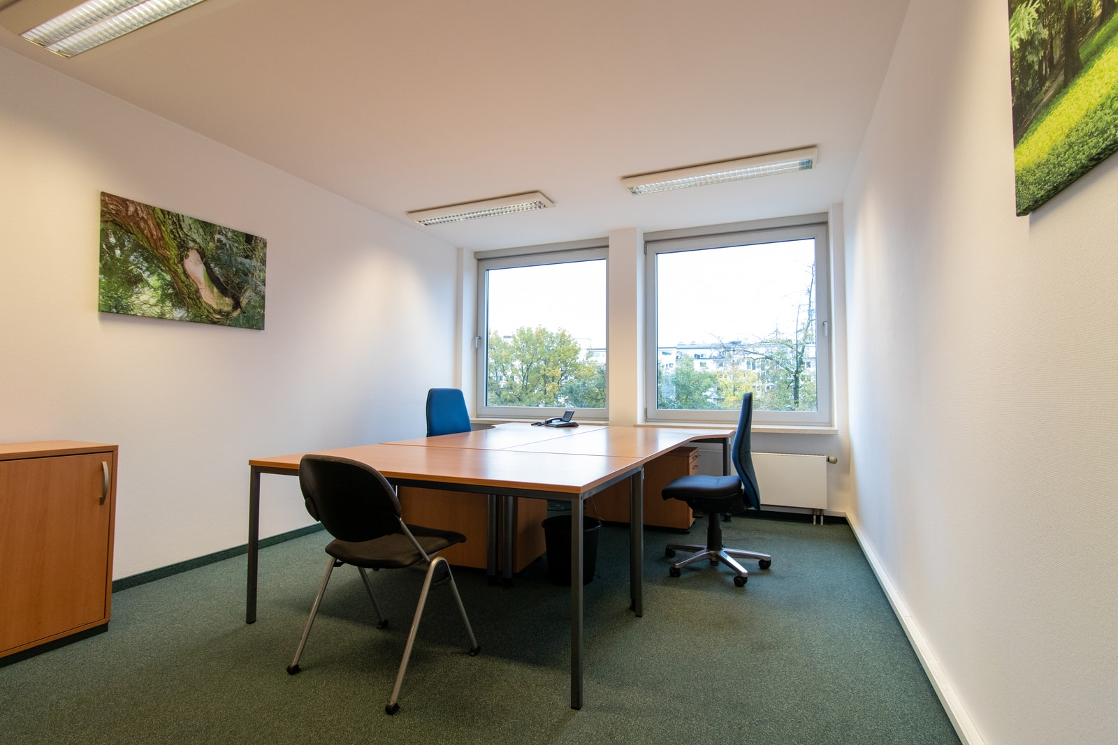 three person office Theodor-Heuss-Ring 23