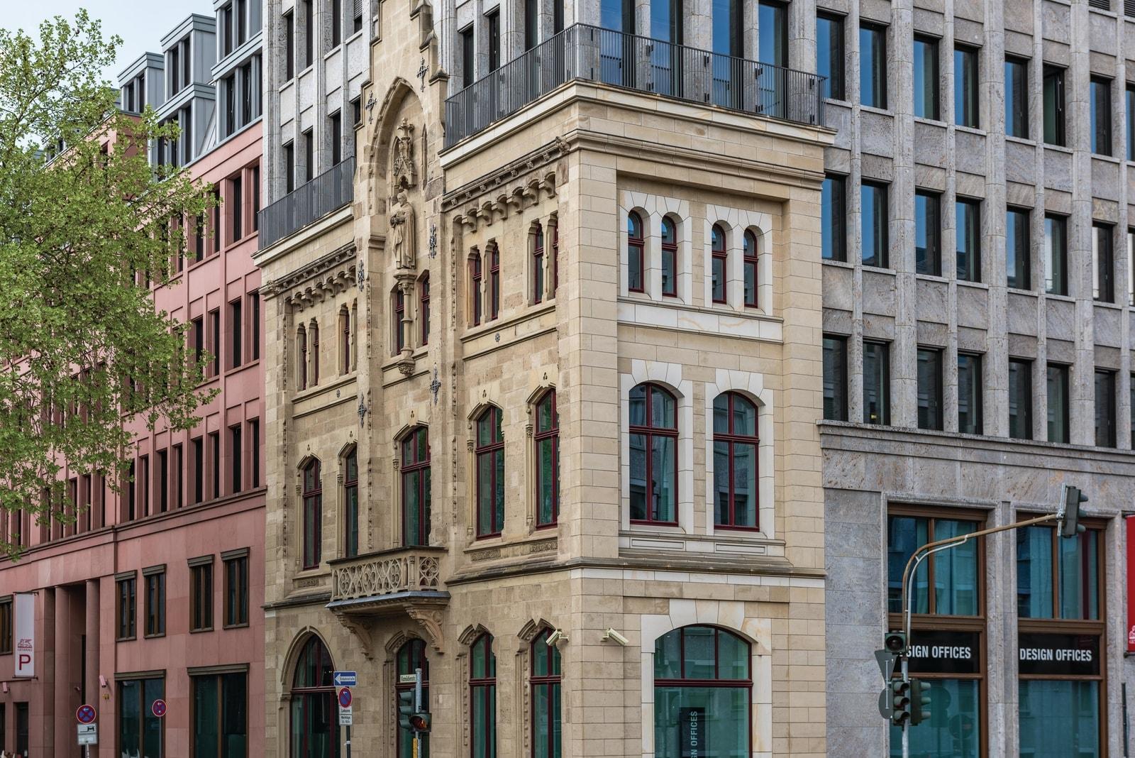 tunisstraße building