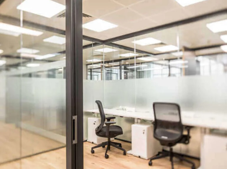 Transparent spaces and meeting rooms