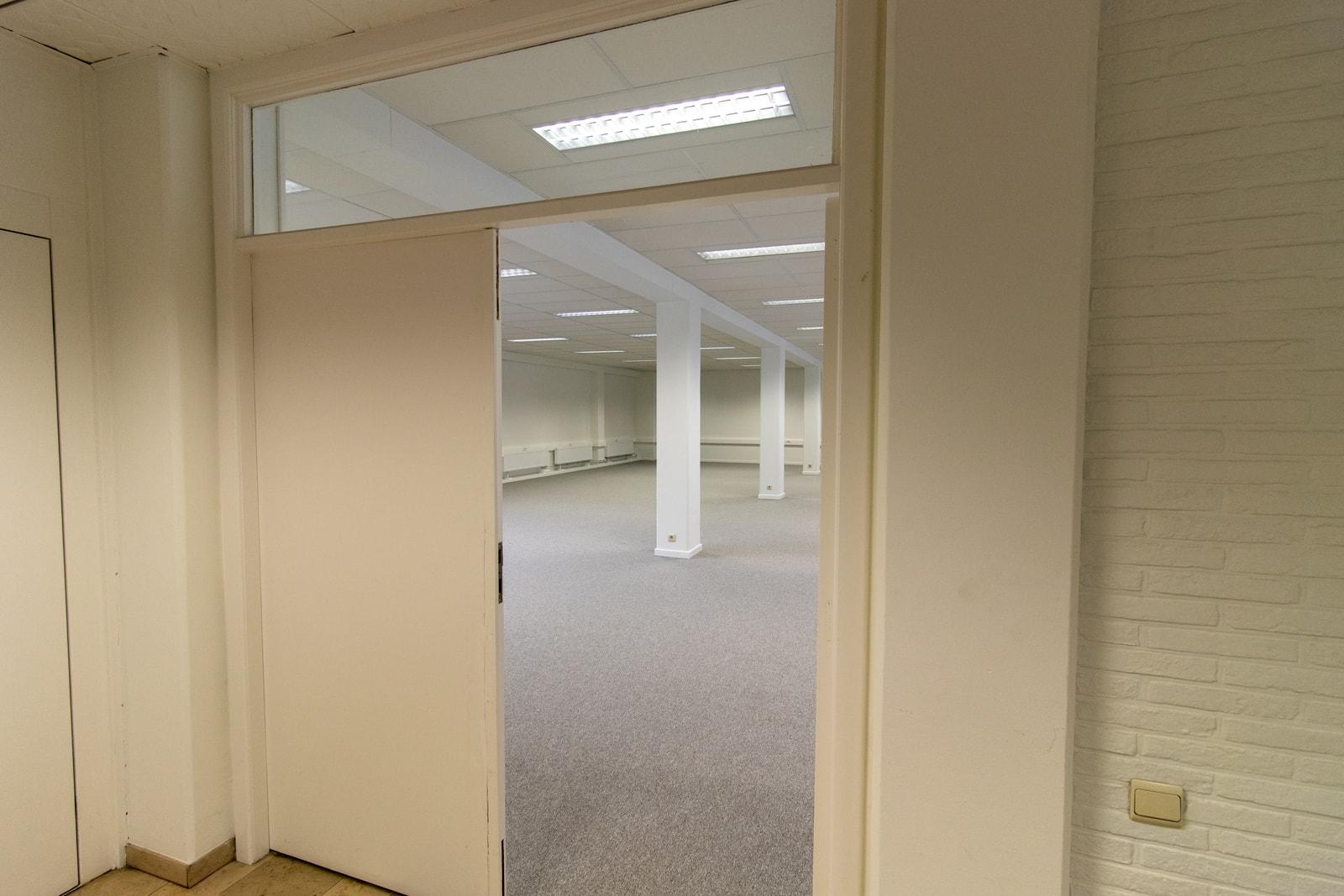 Deur naar kantoorunit in Gent