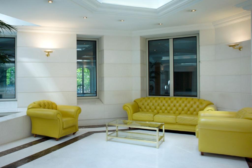 Office for rent in Paris at 121 Avenue des Champs Elysées