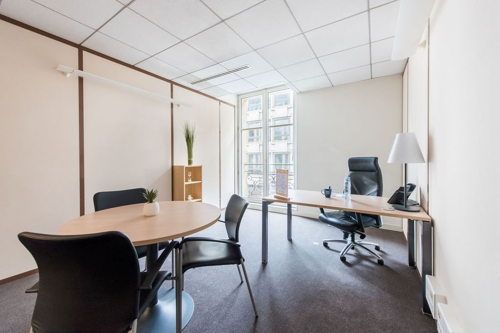multiple servcies in this business centre