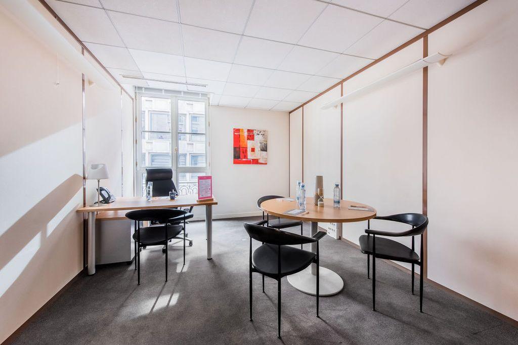 Office for rent in Paris at 121 Avenue des Champs Elysées.