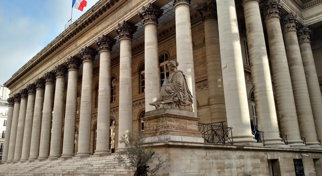 Rent an office on the 17 Rue de la Banque Paris