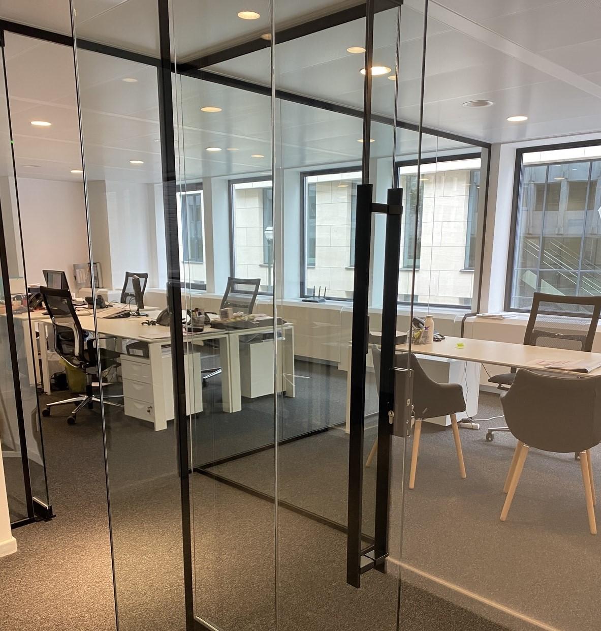 Glazen kantoorunits