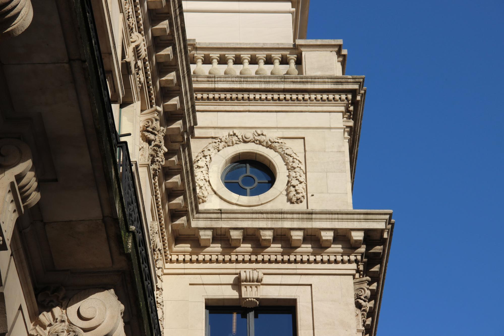 Er zijn nog mooie originele details aanwezig op de Rue des Colonies