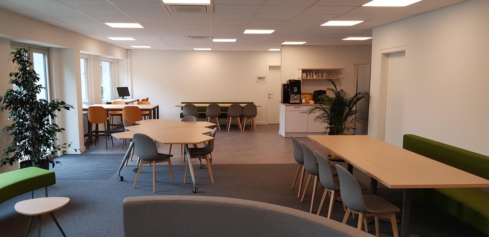Grote ruimte in het kantoor in Aalst